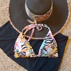 Pretty Luli Fama Bikini Top 👙